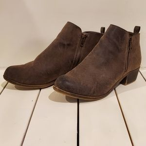Dunes, Dolly ankle booties in brown leather